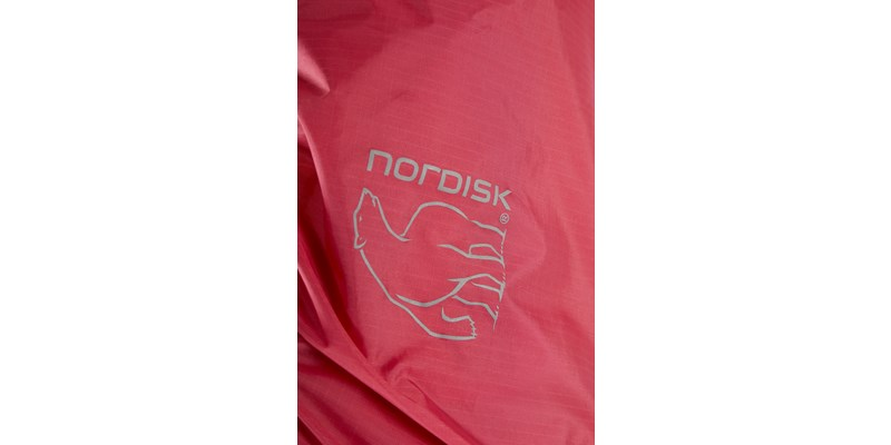 yggdrasil rain cover 148099 nordisk cma coloured rain cover cherry pink 04