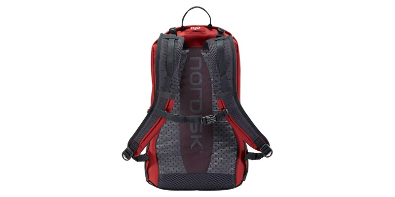 tinn 24 133099 nordisk backpack burnt red 04
