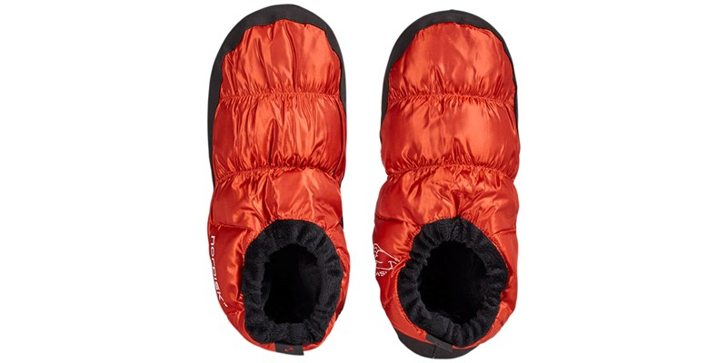 mos 109060 nordisk down shoes red orange standing